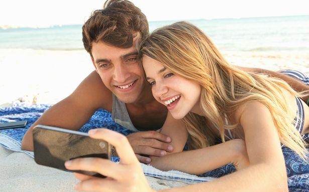 Выкладывают ли фотографии в социальные сети действительно счастливые пары?